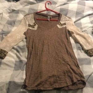 BKE brown and cream top